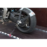 Fixace kola motocyklu Acebikes pro přepravu